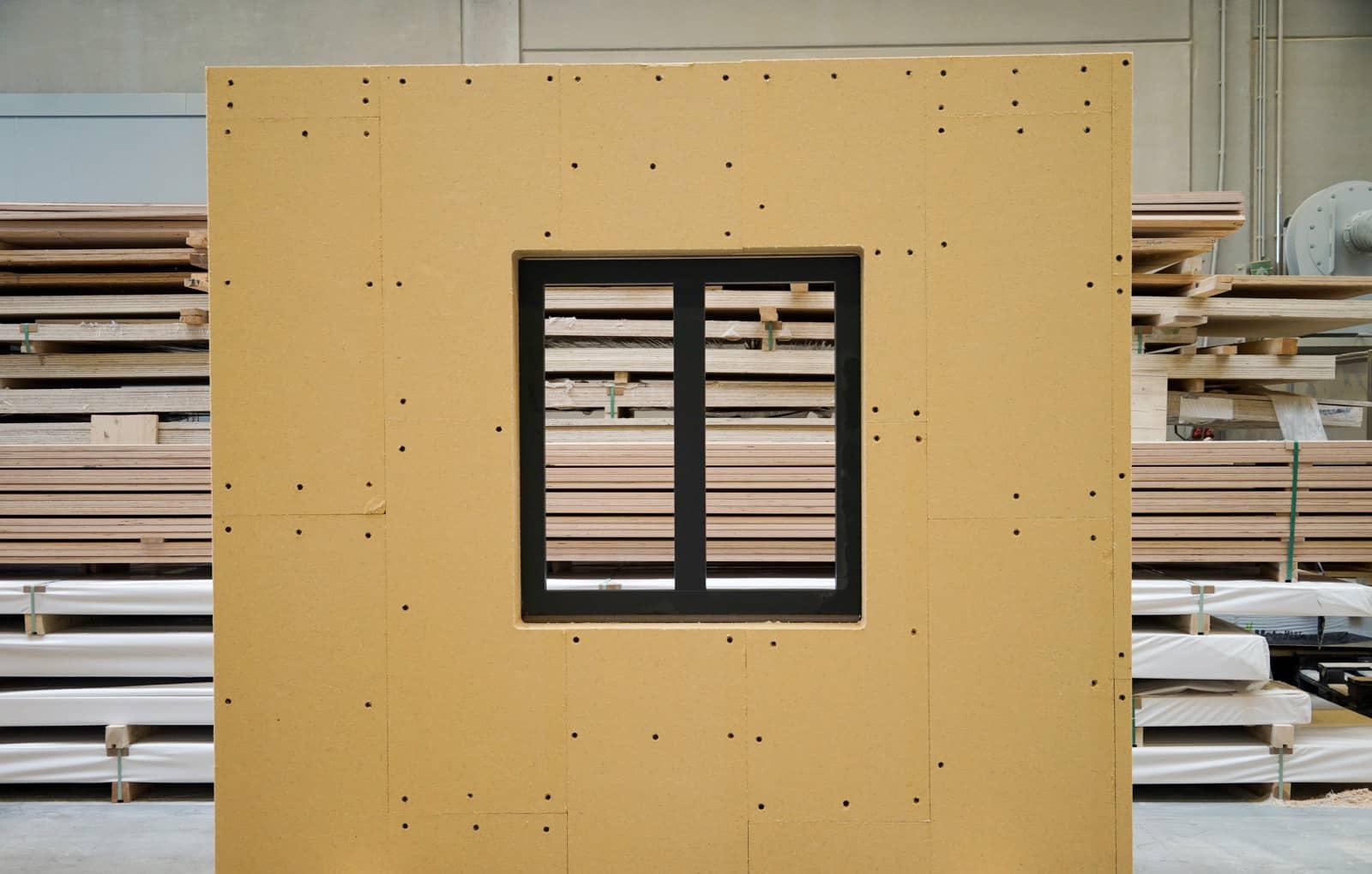 Wanelement Vorderseite mit Fenster